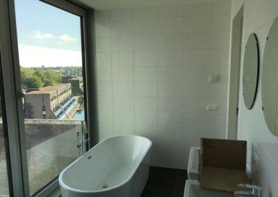 slaapkamer + badkamer renovatie - badkamer begin